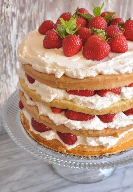 Images Of Strawberry Layer Cake : strawberry elderflower layer cake fancyfoodfancy