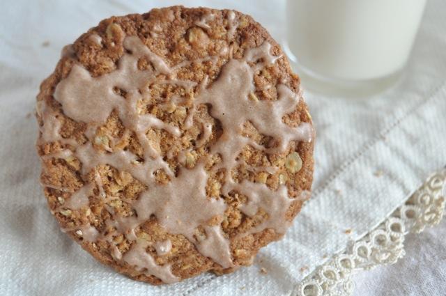 iced oatmeal cookie