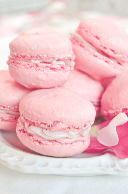 rose and raspberry macarons