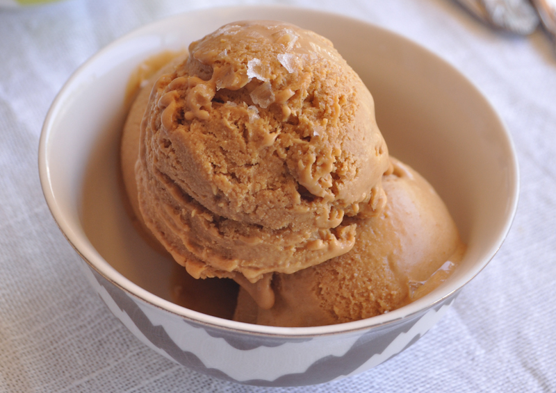 salted caramel ice cream | fancyfoodfancy