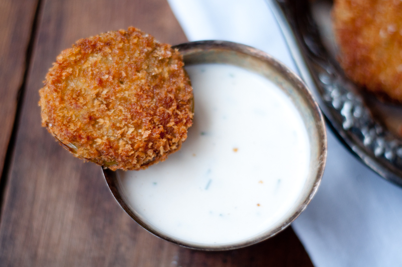 fried green tomatoes with buttermilk dipping sauce | fancyfoodfancy